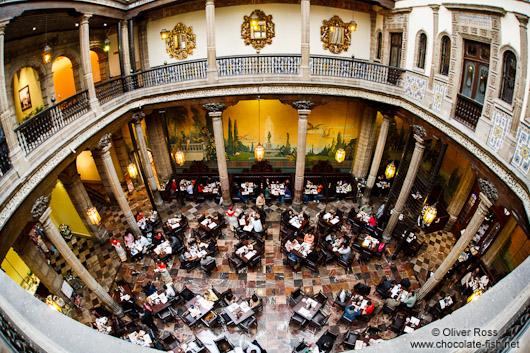 Mexiko mexiko stadt interior of the casa de los azulejos for Casa de los azulejos ciudad de mexico