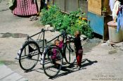 Travel photography:Children with bikes in Leh, India