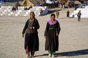 Travel photography:Two women in Leh, India