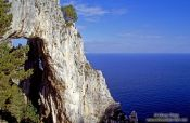Travel photography:Hole in the Rock, Capri, Italy