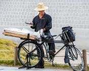 Travel photography:Man with bike in Seoul, South Korea