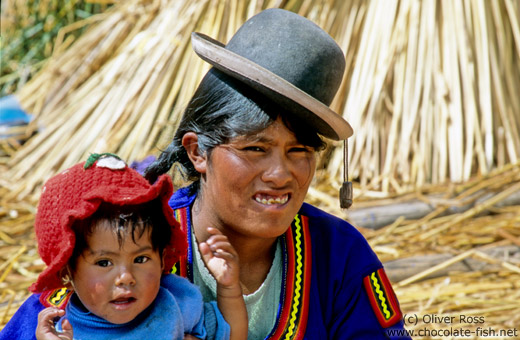 Uros mother with child