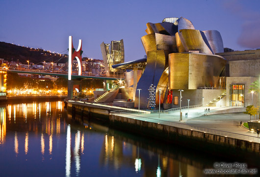 Bilbao Guggenheim Museum by night