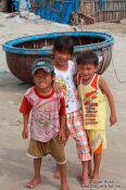 Travel photography:Kids in Mui Ne , Vietnam